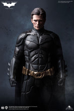 Queen Studios Batman / The Dark Knight (Regular Edition) 1:3 Scale Statue