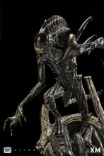 XM Studios Alien Warrior Supreme Scale Statue