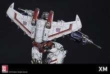 1:10 Scale Starscream