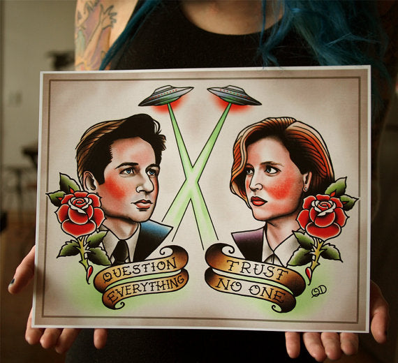 Mulder and Scully Flash Art Print