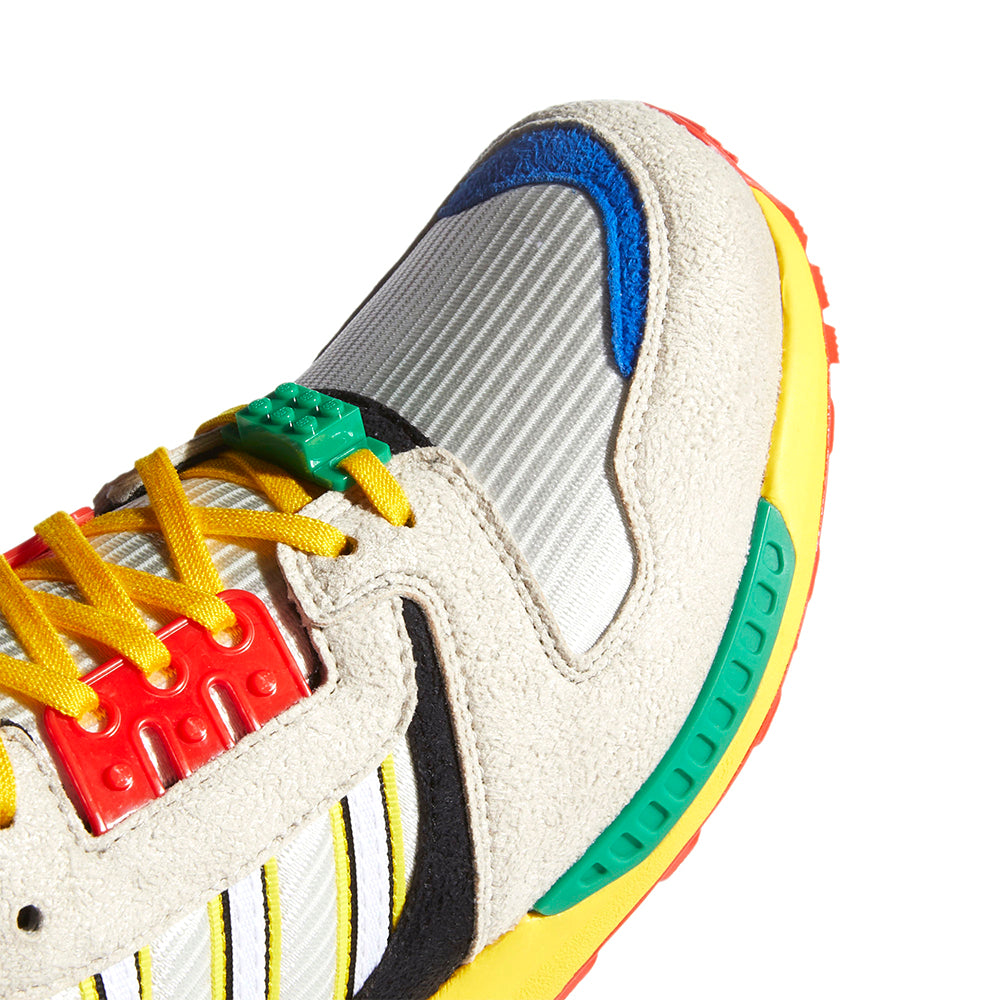 adidas x LEGO ZX 8000 FZ3482 in Yellow/Bliss/Cloud White toebox