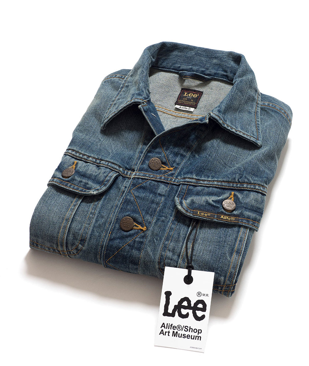Alife/Lee 101 Rider Jacket in Medium Wash folded view