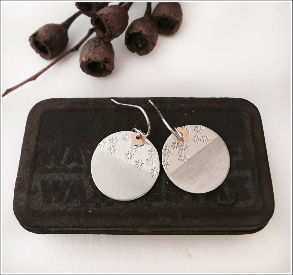 Paird Brushed and Stamped Disc Earrings - The Artisan Storeroom