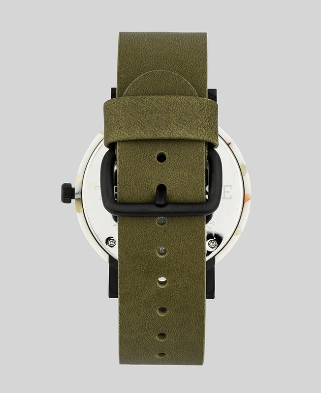 The Horse E4- Nougat / White Dial / Olive Band