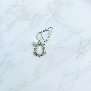 Clear Gem Teardrop Frame Clip - S19