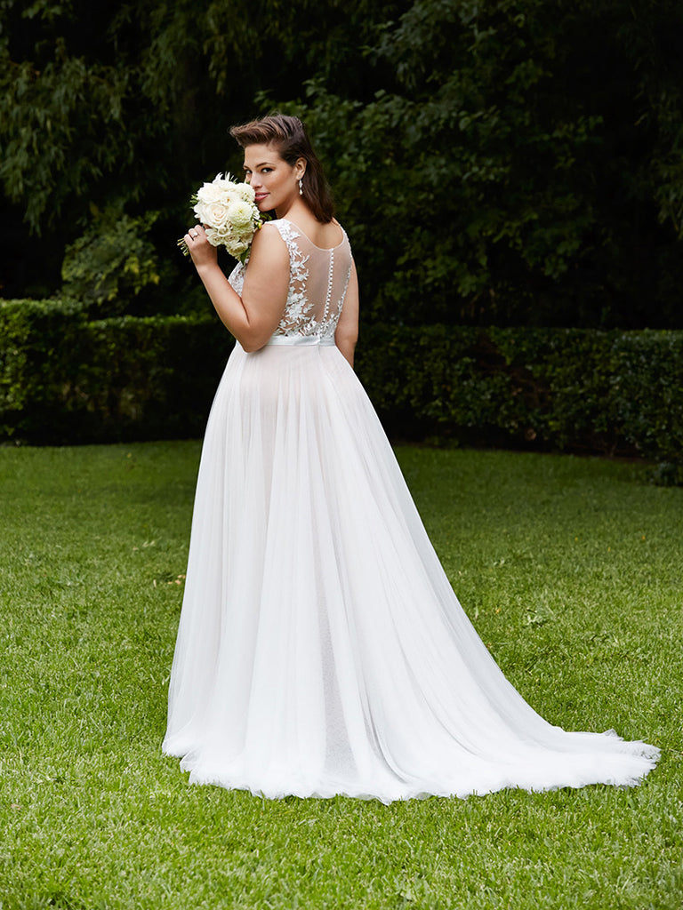 Gorgeous A-line Sleeveless Appliques Tulle Wedding Dresses With Train, WD0394