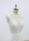 Hot Selling Gorgeous V-neck Lace Sleeveless Wedding Dresses with train, WD0367