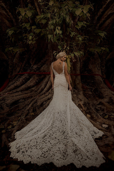 Mermaid Full Lace V-back Wedding Dresses With Train, WD0435