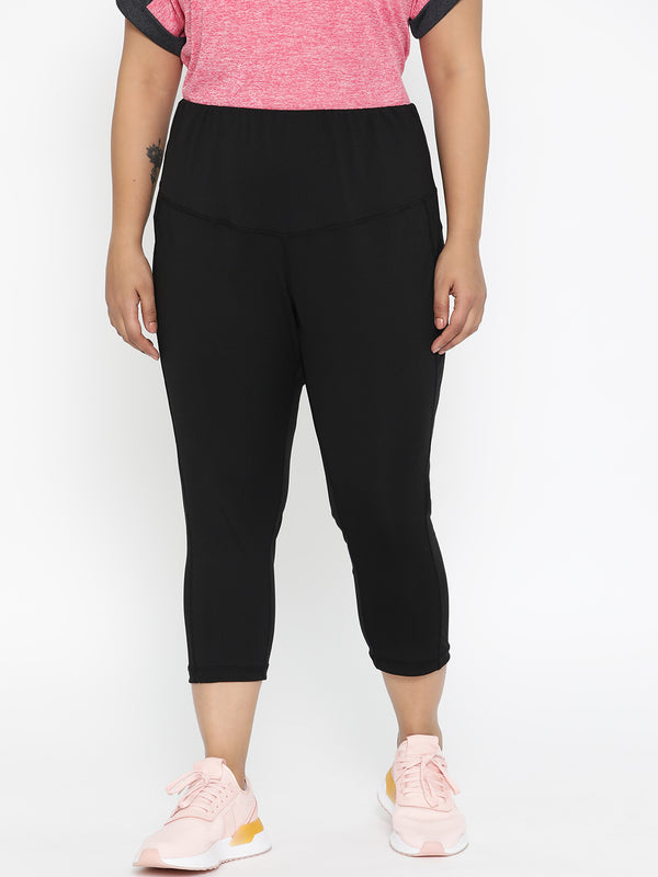 Black Solid Three-Fourth Track pant