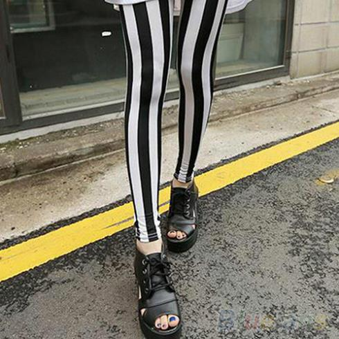 Fashion Black White Vertical Striped Leggings Pants Women  8MTG