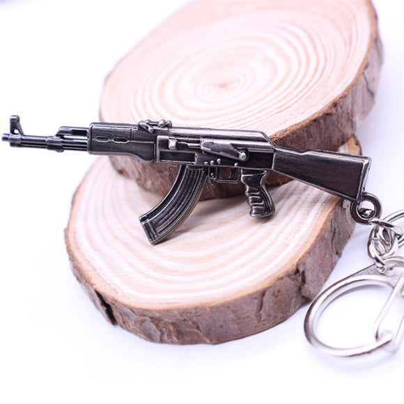 2017 Hot Game Pendant Keyrings Pop Game Cross Fire Gun Key Chains Weapon Model Metal Pendant Keychain Metal Key Ring