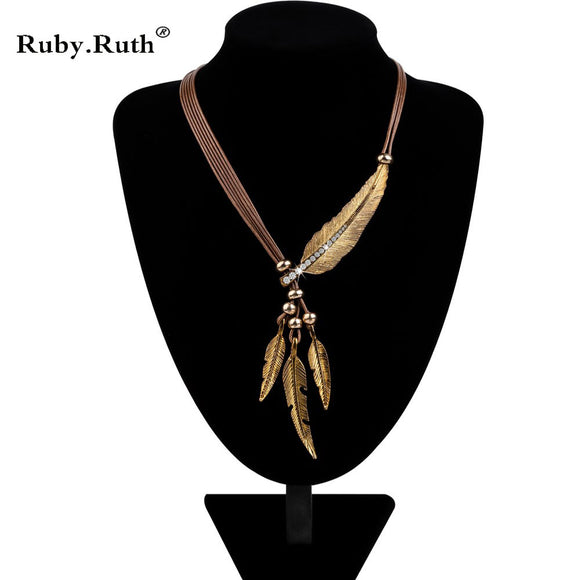 Vintage  Rope Chain Feather Statement Necklace