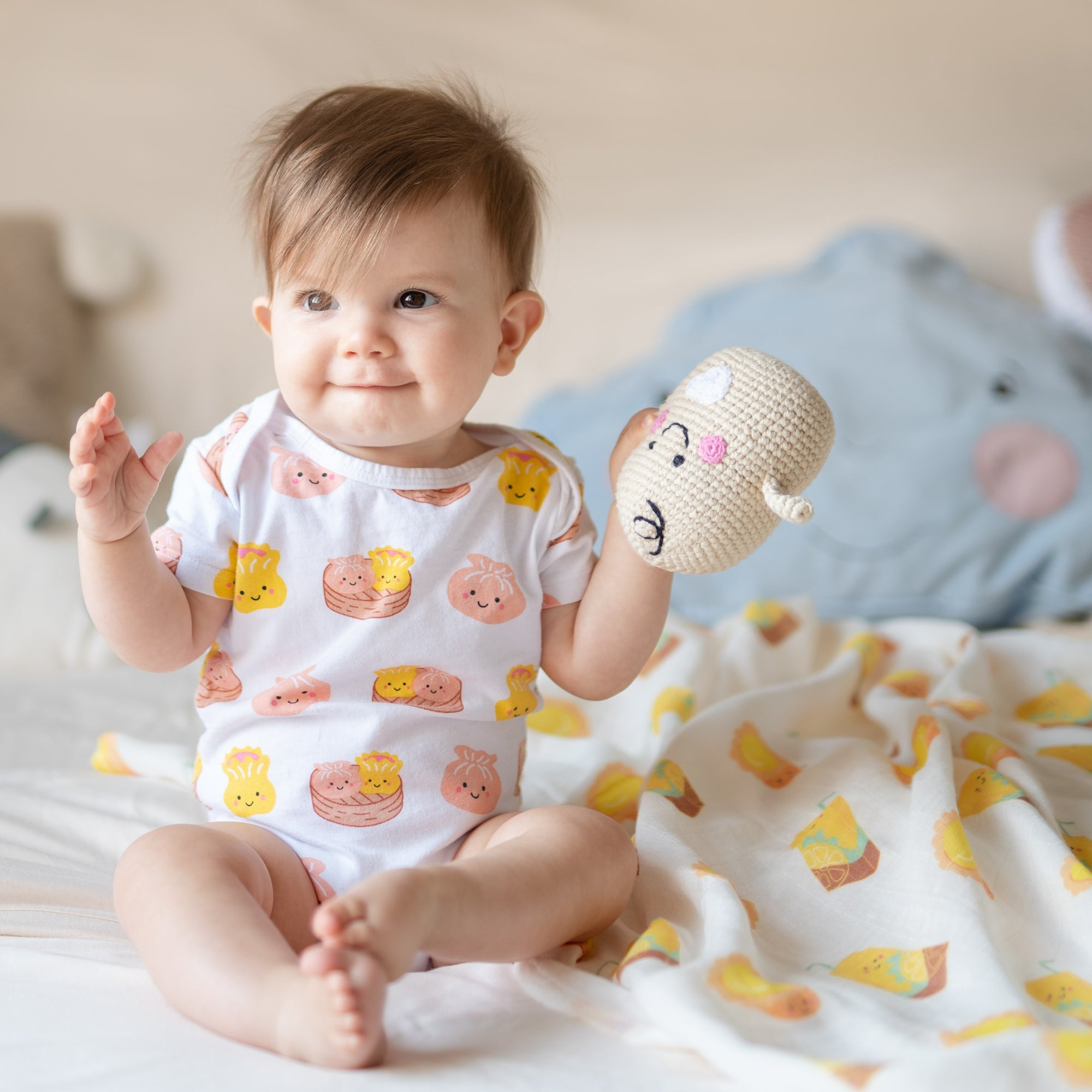 the wee bean organic cotton bodysuit onesie romper in dim sum hargow siumai