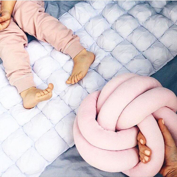Infinity Knot Cushion Pillow