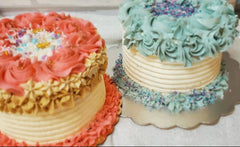 image of sample of buttercream cakes that will be decorated in this beginner buttercream cake decorating class