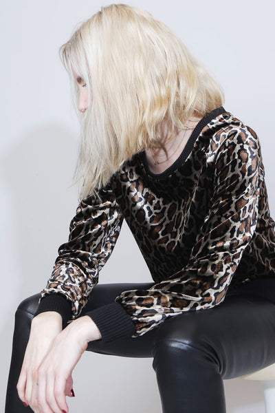 SUE REEDITION - SWEATY LEOPARD Sweater en Velours de Soie Imprimé Léopard