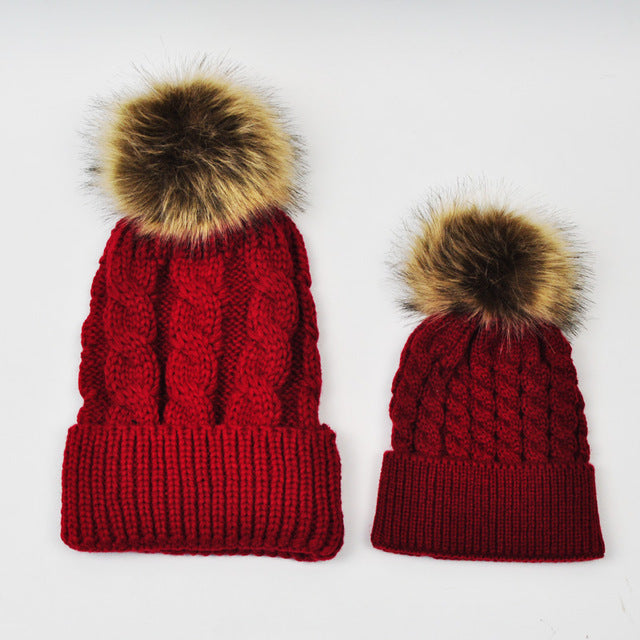 MOMMY AND BABY KNITTED HATS - RED