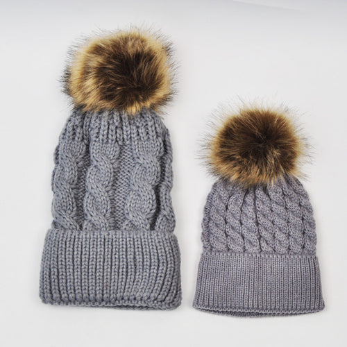 MOMMY AND BABY KNITTED HATS - GREY