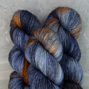 Tosh Merino Light antique moonstone