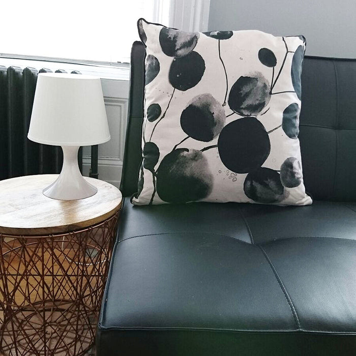 Bloom Honesty | Cushion in Black & Off White