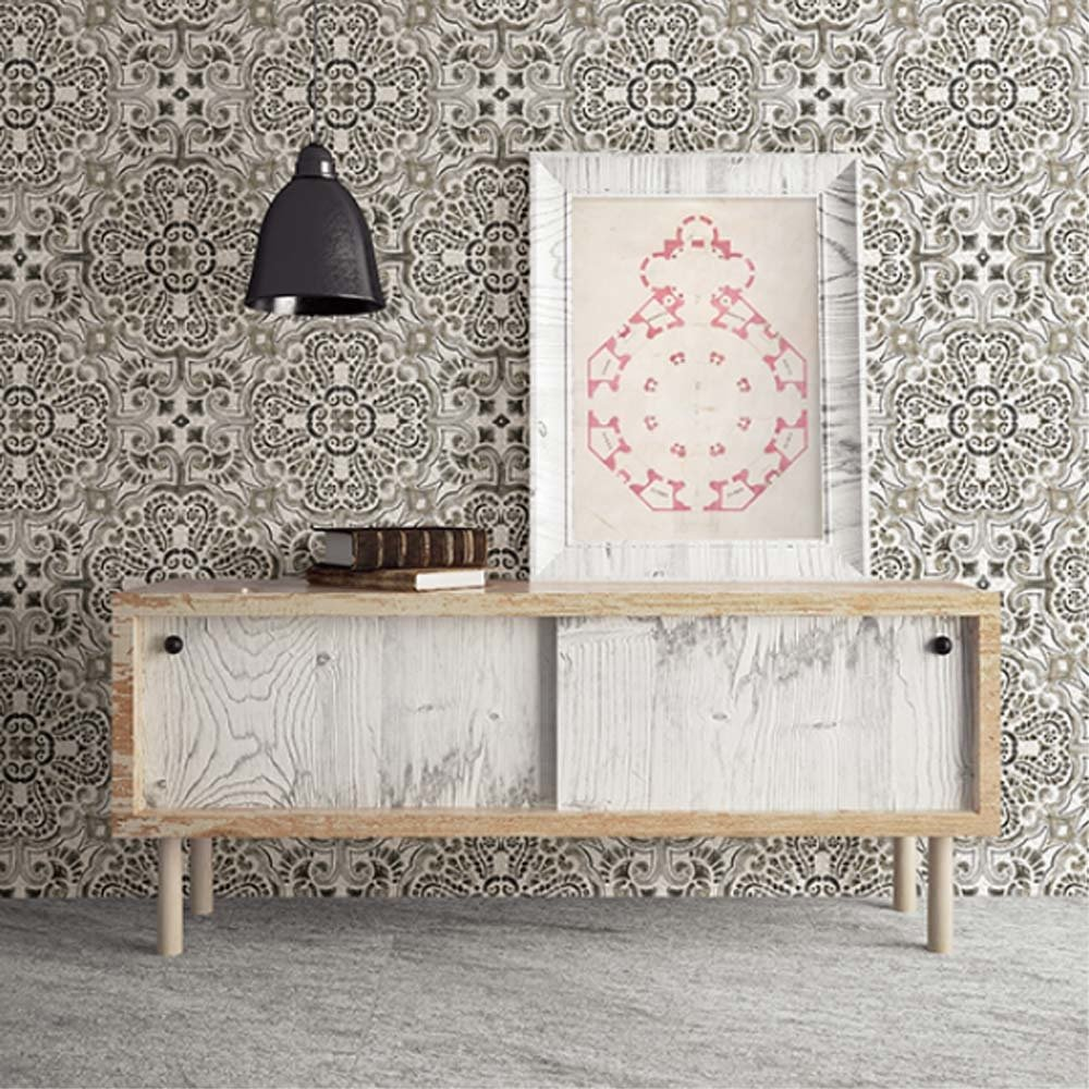 'Casablanca' Moroccan Hand Painted Tile Effect Wallpaper in Grey, Charcoal, Taupe & WhiteAbsolutely stunning Grey, Charcoal and Taupe  hand painted tile effect wallpaper.Bright and bold, this wallpaper seamlessly molds modern style with vintage beauty.A Moroccan and Florentine-inspired pattern mixes oranges and pinks.The pearlescent white background with a faux cracked effect adds to the realistic look of the wallpaper.h10m X w53cmPattern Repeat: 52cm