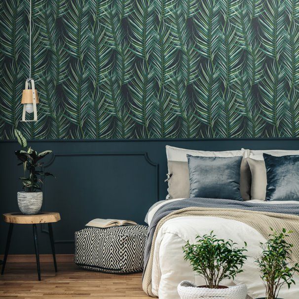 'Large Palm' Leaf Design Wallpaper in Green - Your 4 Walls