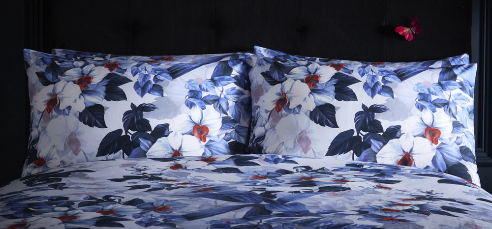 Oasis 'Exotica' Designer Floral Bedding Duvet Set | White, Navy Blue & Red - Your 4 Walls