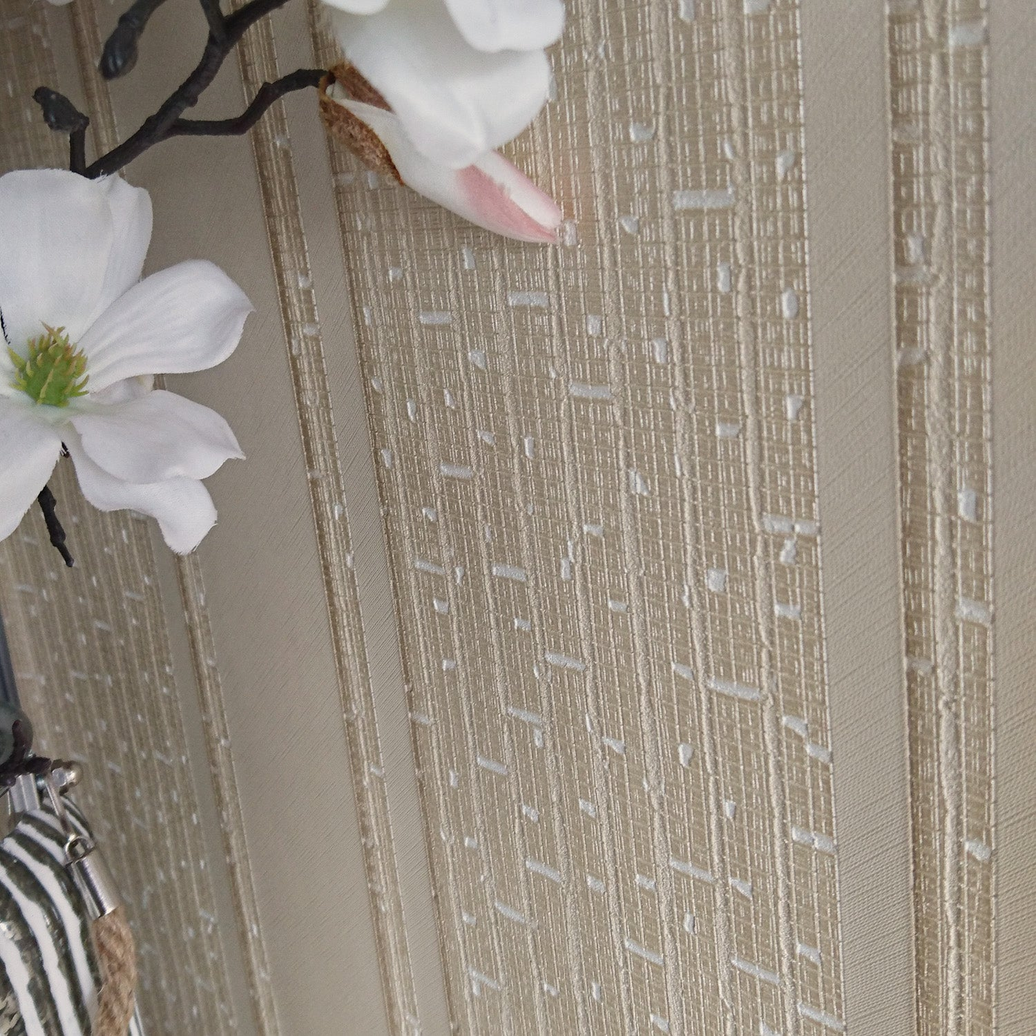 Versace 'Parvus Stripe' Designer textured Stripe Wallpaper in Cream
