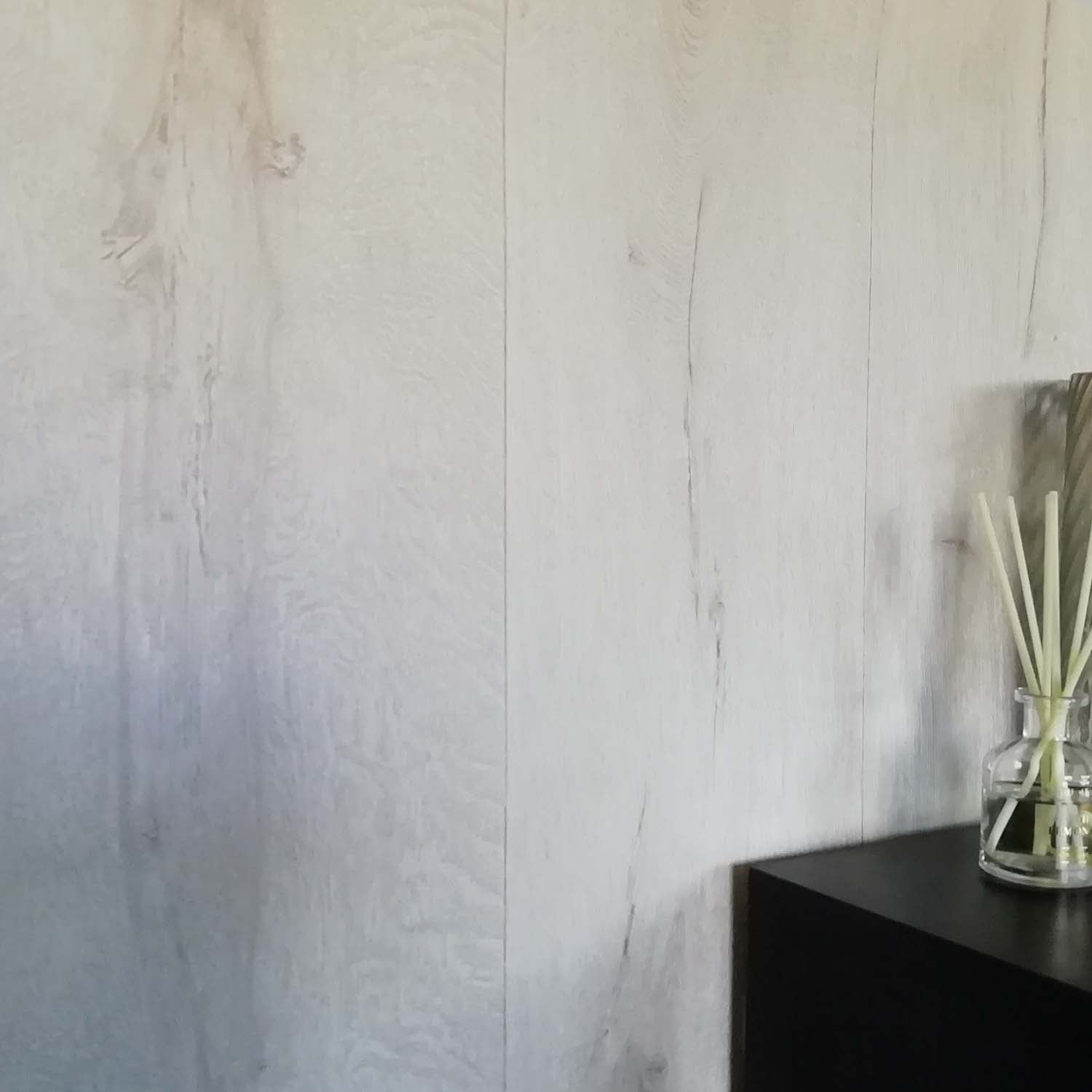 Realistic Wood Plank Effect Textured Wallpaper | Off White