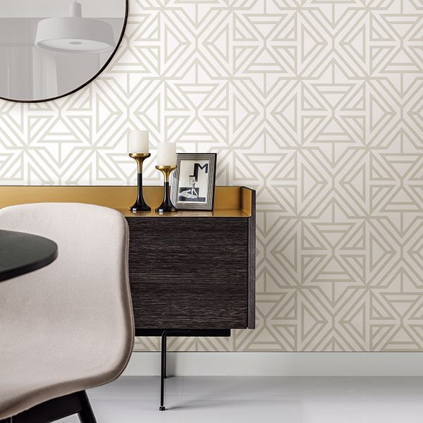 Triangle Geometric Wallpaper in Light Grey & White - Your 4 Walls