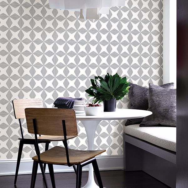 Star Match Geometric Wallpaper in Black & White - Your 4 Walls