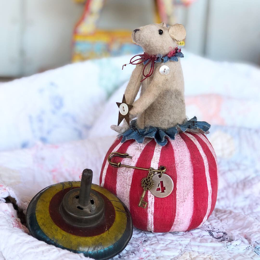 Lil' Super Star Circus Mouse