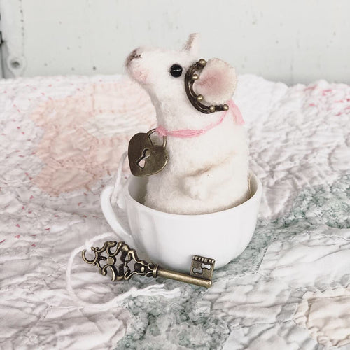 Lil' Queen Of Tea Mouse