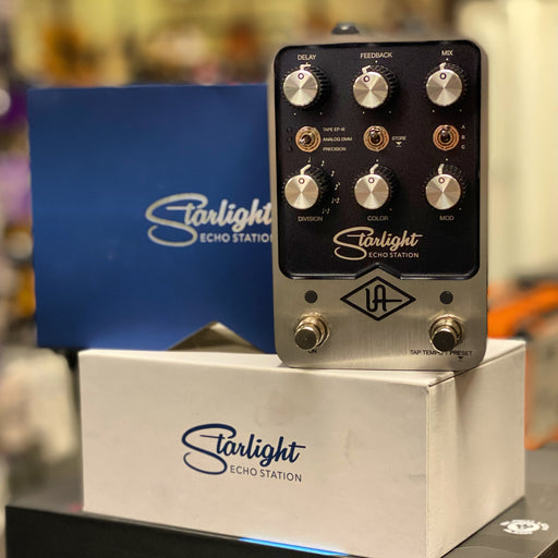 Universal Audio Starlight Stereo Delay Pedal