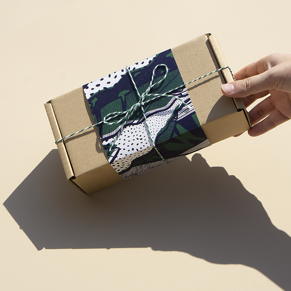 4 in 1 Holiday Gift Box B with Reversible Furoshiki
