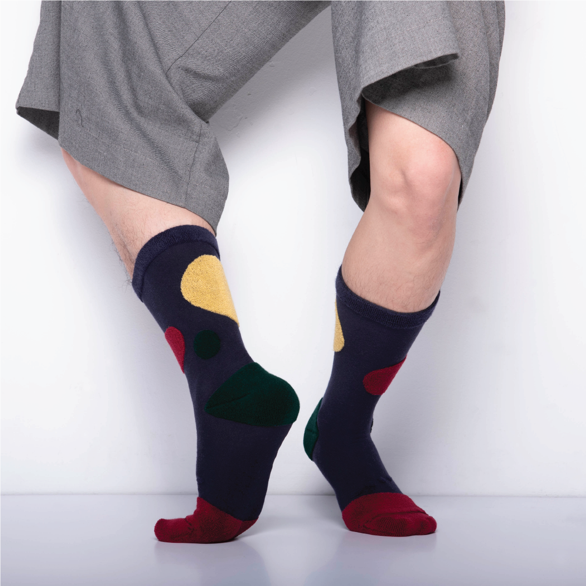 MY INNER BEAUTY: HATI | Dark Blue & Biking Red | Reversible Patterned Socks