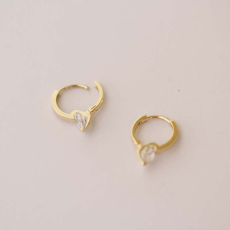 Classic 9 Karat Gold Earrings