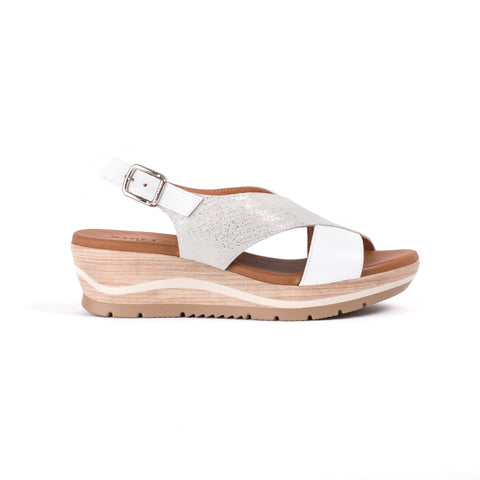 White and silver wedge sandal in soft leather with adjustable back strap