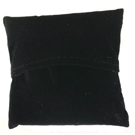Bracelet black pillow display