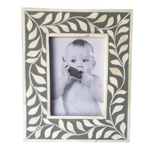 Load image into Gallery viewer, Penn Bone Inlay Photo Frame_4 x 6