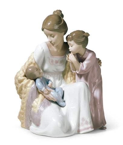 Lladro Porcelain Welcome to The Family Figurine - Handmade in Spain