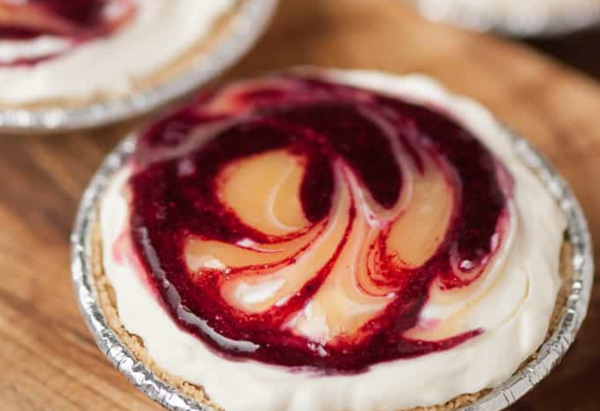 Wine And Food Pairings: Bayernmoor Rosé and No Bake Cranberry Cheesecakes