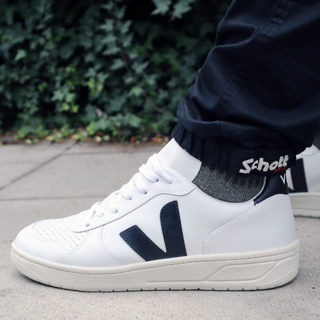 Veja V-10 Leather Extra White Black Trainers Mens