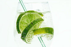 Picture of that glass of sparkling water with lime for yogis