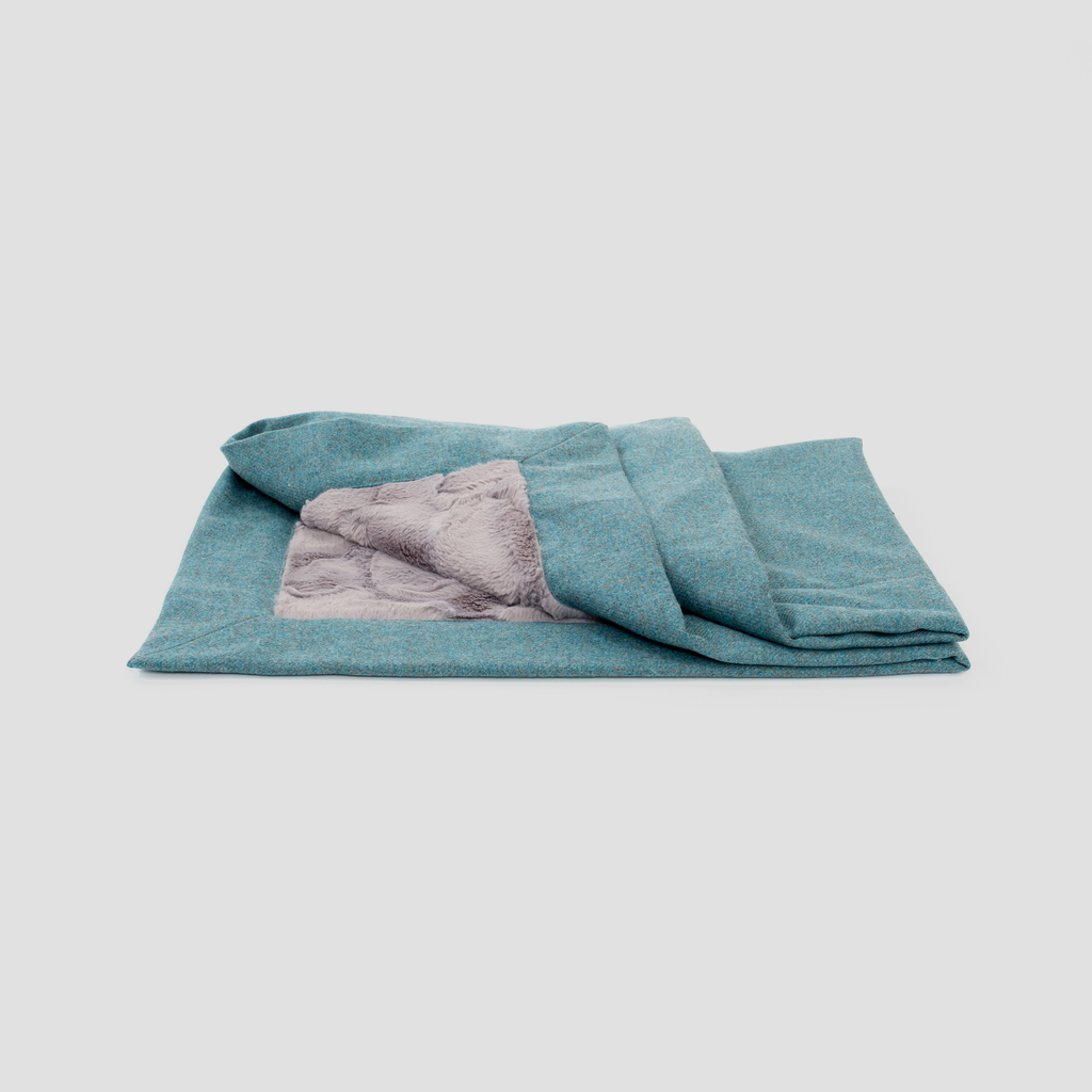 Pippa & Co Luxury Dog Blanket - Aqua
