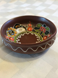 Small hand-crafted Ukrainian theme dish