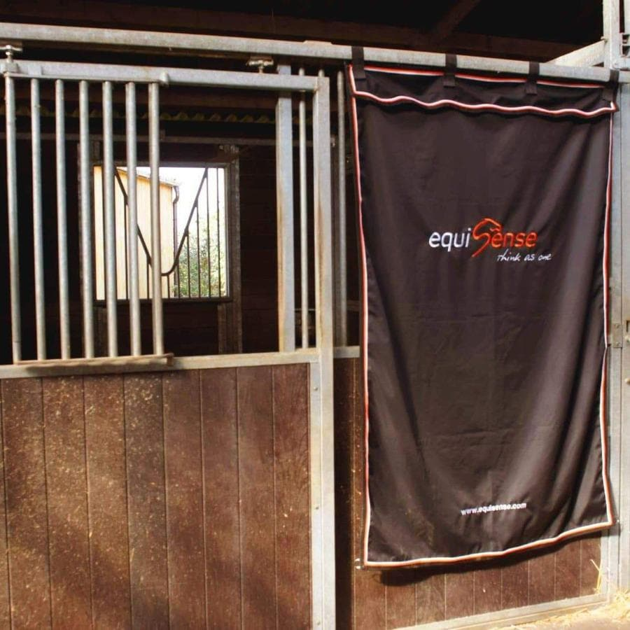 Stable Curtain
