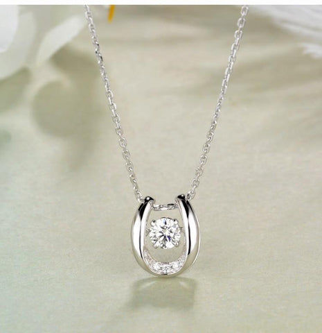 925 Sterling Silver Horseshoe Necklace with Brilliant CZ Centerpiece Pendant Necklaces