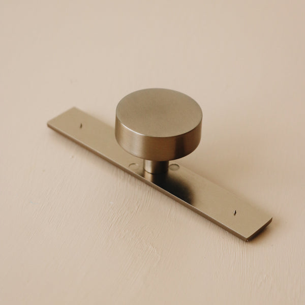 Wardrobe Knob With Backplate