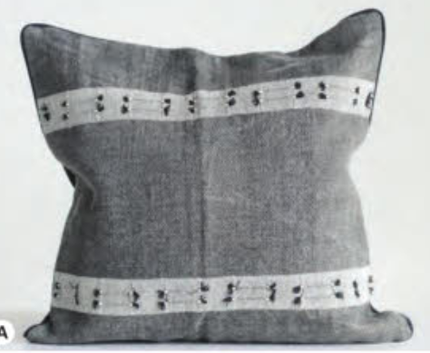Square cotton woven pillow with tassels